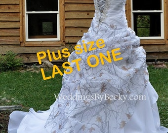 NEW Camo Wedding Gown/Truetimber Snow Camo in Organza-LAST ONE- Plus size