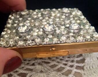 Compact Wedding 1930 Rhinestone Jeweled Gorgeous Powder Mirror Makeup faux Diamonds Pretty Vintage Unique Gift Valentine Day Anniversary WOW