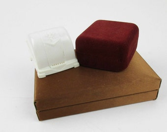 Jewelry Cases - Containers for Jewelry - Plastic, Satin and Velvet - Small Holders - Ring/Ring/Necklace