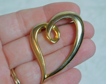 Vintage Gold Tone Costume Jewelry Heart Pin or Brooch