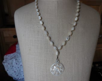 Vintage 1920s to 1940s MOP Shell Necklace Beaded Linked Carved Mother of Pearl Retro Flower/Snowflake Looking Pendant
