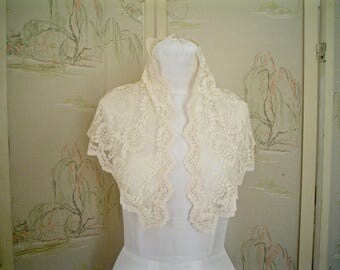 Mantilla or Veil of Peachy Pink Lace, Vintage Lace Scarf or Shawl