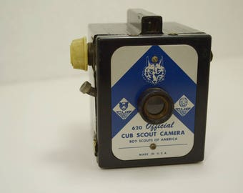 Vintage Cub Scout 620 Box Camera in Excellent Condition