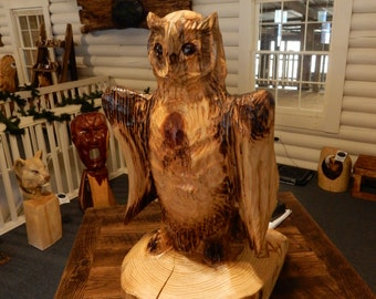 Chainsaw Carving Fluffing Owl