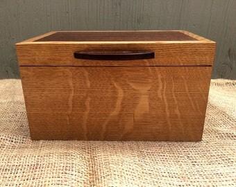 Quarter-sawn White Oak and Mahogany Keepsake Box