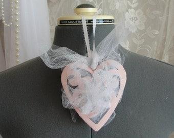 Shabby pink heart, shabby heart, shabby chic decor, pink heart, pink decor, shabby pink,