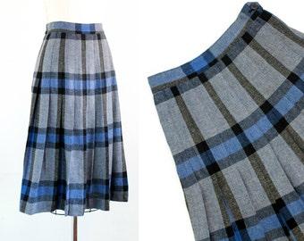 Vintage 1950s skirt . Charm School . blue plaid skirt . 1950s plaid skirt . pleated skirt