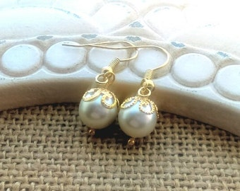 Pearl christmas earrings, ivory pearl wedding, gold and pearl earrings, pearl earrings, pearl drop earrings, wedding earrings, pearl jewelry