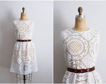 90s White Eyelet Dress / White Lace Dress / White crocheted Dress / Size M/L
