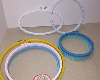 "Lot of 9 Plastic Embroidery Hoops 10"", 8"", 7"", 6"" and 1 Oval"