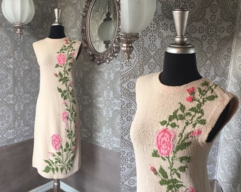 Vintage 1960's Pink Fitted Sweater Dress with Rose Print Medium/Large