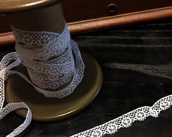 """FREE SHIPPING - 3/8"""" wide x 3+yards Heirloom edging Lace - White"""
