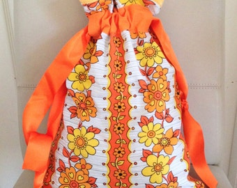 Handmade Vintage Bag, Handmade 1970s Bag, 1970s Bag, Flower Power Bag, Flower Power Pouch, 1970s Flower Power, Drawstring Bag