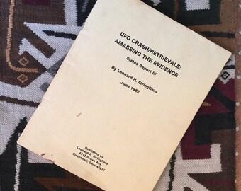 Autographed UFO Crash / Retrievals : Amassing the Evidence Status Report III Leonard H Stringfeld 1982 Original Printing Alien Conspiracy