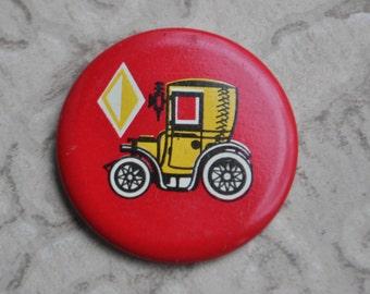 """Vintage USSR tin badge,pin.""""Retro car,Oldtimer"""" Made in Soviet Estonia."""