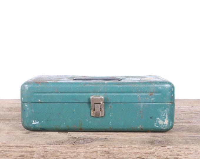 Vintage Green Victor ATCO Metal Tackle box / Industrial Box Metal Storage Box / Antique Metal Tool Box / Rusted Display Prop Unique Storage