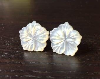 Mother of Pearl Island Flower Earrings in White -- Medium