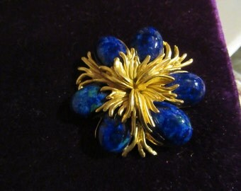 Beautiful Midnight Blue Stone and Gold Swirl Flower Brooch