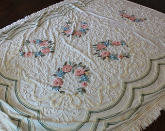 vintage Chenille floral beadspread 90x 97
