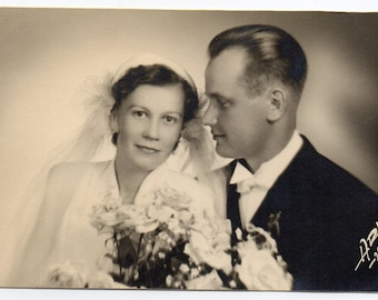 Mid Century Modern Wedding Photo Bridal Fashion Bride And Groom Black And White Photograph 1950