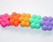 Easter Basket Stuffer - Easter Crayons - Flower Crayon - Classroom Crayons - Crayons for kids - Birthday Party Favor - Spring crayons