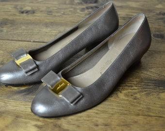 8 B /  Salvatore Ferragamo Vara Silver Graphite Leather Buckle Flats - Vintage Classic Women's Pumps