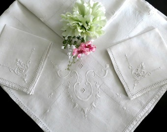Small Vintage Tablecloth, Embroidered Ivory Colored Linen Breakfast or Luncheon Cloth w 2 Napkins, Vintage Linens by TheSweetBasilShoppe