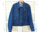 "Vintage 70's Wrangler Blue Jean Jacket, Slightly Faded Cotton Denim ""Sanforized"", Men's size M"