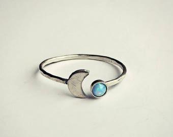 SUMMER SALE sterling silver moon blue opal ring, hammered ring, fire opal ring, moon ring, sterling silver jewelry