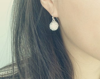 ON SALE Delicate simple everyday soiree earrings - silver