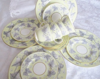 VINTAGE WEDGEWOOD LUNCHEON set, 16 pc yellow and gray bone china set includes teacups, lunch and side plates, excellent condition