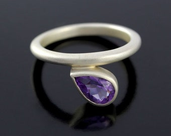 SALE 2 days only Pear Shape Amethyst Solitaire Ring. Teardrop Amethyst Promise Ring in 925 Sterling Silver - CS1525
