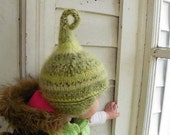 Red Elf hat size 6-12 Months