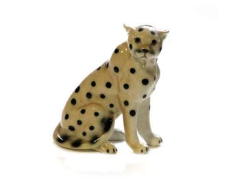 Cheetah Figurine Bone China Spotted Cat Sitting Wildcat Curio Collectible Animals