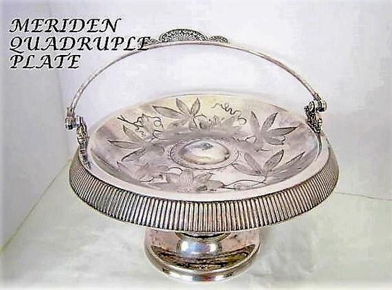 Quadrupleplate Basket - Meriden Silverplate 1896 - Serving Dish