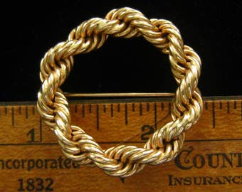 "14k Gold TIFFANY & Co. Circle Pin Brooch in Rope Design. 1960's Vintage.  Signed with Hallmark.  1-7/16"" Diameter.  ""Rope"" is 1/4"" W."