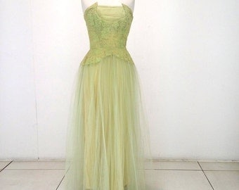 SALE! 1940s evening gown or dance dress