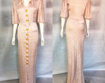 1930s evening gown with train in pink crepon