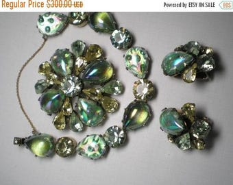 15% Discount REGENCY Demi Parure   Multi Shades Green and Yellow   Item No: 16663