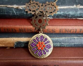 Steampunk Jewelry, Steampunk Locket, Gear Jewelry, Gear Locket, Steampunk Necklace, Steampunk Pendant, Locket Jewelry, Locket Necklace