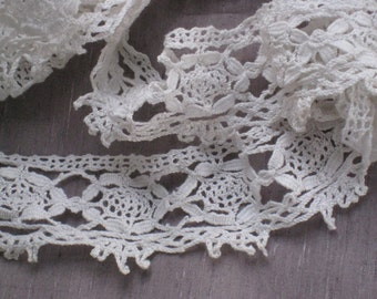 """2 Yards+33"""" of Wide Antique Cluny Bobbin Lace Trim - White Cotton - 2-3/4"""" Wide - Handmade, NOS Vintage Supplies - Wedding, Crafting, Sewing"""