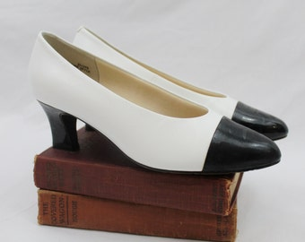 Vintage Nordstrom 80s Black & White Leather Low Heel Pump with Patent Cap Toe Women's Size 7 37 38