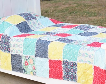 Girl Rag Quilt- Ready to ship Rag quilt, floral Rag quilt, Mint rag quilt, Coral Rag quilt, Yellow rag quilt, Twin Rag quilt Bedding