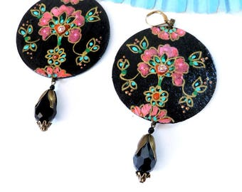 Boho chic earrings,painted wood, gipsyflowers and glass bead