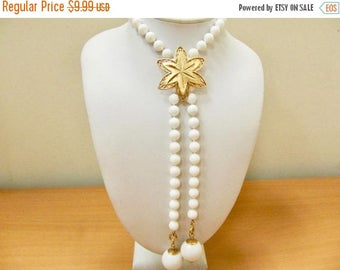 On Sale SARAH COVENTRY Vintage White Beaded Necklace Item K # 757