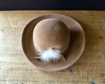Vintage Ladies Wool Hat, Vintage Betmar Hat, Tan Hat, Camel Hat, Wool Felt Hat, Ladies Fedora Hats, Womans Hat, Feather Hat, Felt Hats