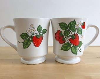 Vintage Strawberry Design Tea Cup - Strawberries - Ceramic - Teacup - Pair of Two Cups