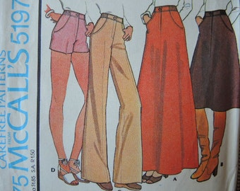 vintage 1970s sewing pattern McCalls 5197 misses petite skirt and pants or shorts size 8