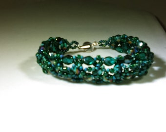 Beadwoven Bracelet, Green Iris, Fits 7.5 Inch Wrist, Elegant Bracelet
