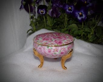 Porcelain Trinket Box .Beautiful  Vintage Bride Gift, Something Old Gift . Pink Jewelry Box . Cottage Chic . Shabby Chic .Vanity Dish .